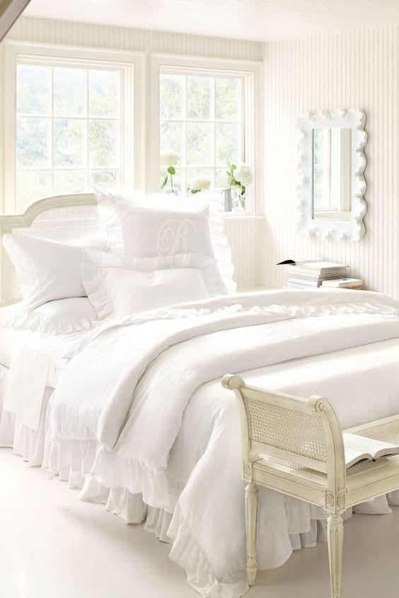 Use-white-bedding