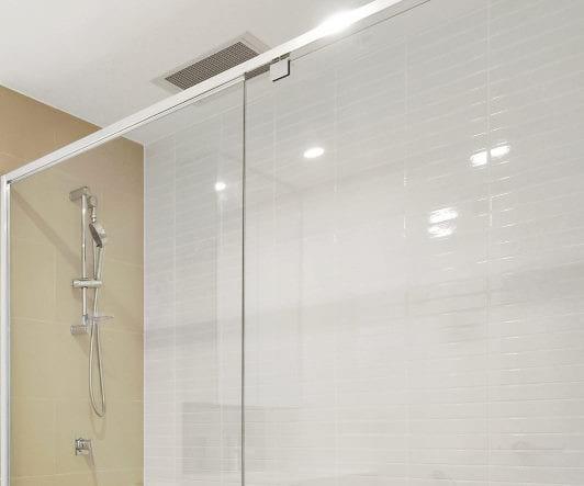 super-clean-shower-screen